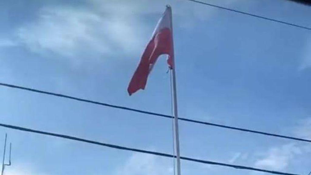 Viral Bendera Merah Putih Terpasang Terbalik di Halaman Dinsos Sungai Penuh