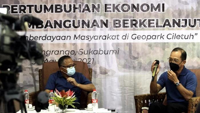 Bedah Buku Inspirasi Jamkrindo dalam Mendukung pertumbuhan ekonomi dalam tujuan pembangunan berkelanjutan khususnya di kawasan Ciletuh Pelabuhan Ratu Sukabumi, Jawa Barat dengan melibatkan masyarakat.