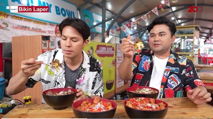 Duo bikin laper cicip rice bowl jumbo dengan topping gyutan dan sambal dabu-dabu