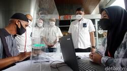 Telkomgroup terus menggenjot program vaksinasi COVID-19 dan menjangkau seluruh karyawan dan keluarganya di seluruh daerah Indonesia guna mencapai herd immunity.