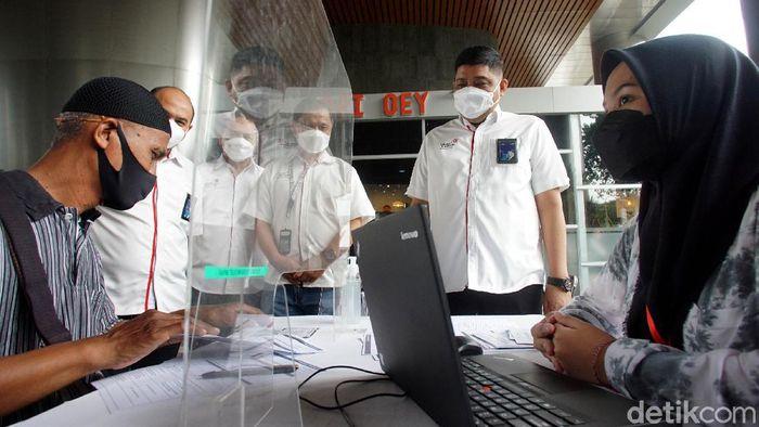 Telkomgroup terus menggenjot program vaksinasi COVID-19 untuk menjangkau seluruh karyawan dan keluarga karyawan di seluruh daerah Indonesia, guna mengejar target herd immunity.