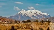 Bukan Kawinan Biasa, Pernikahan di Puncak Gunung Setinggi 6.439 Meter