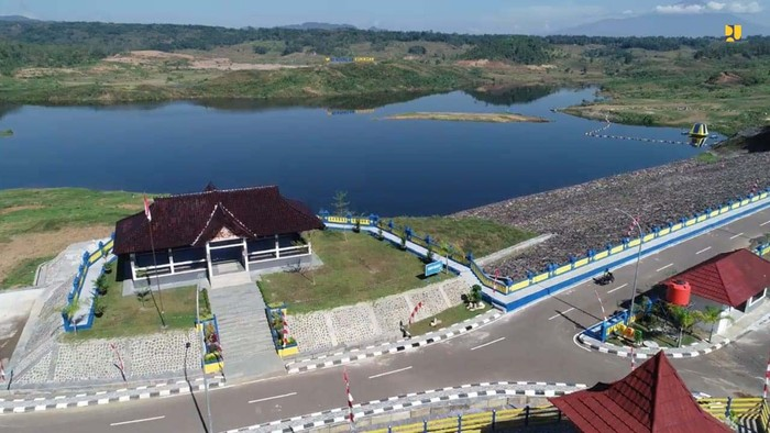 Presiden Jokowi meresmikan Bendungan Kuningan, Jawa Barat, Selasa (31/8/2021).  Bendungan ini digarap selama 7 tahun dengan dana Rp 513 miliar.