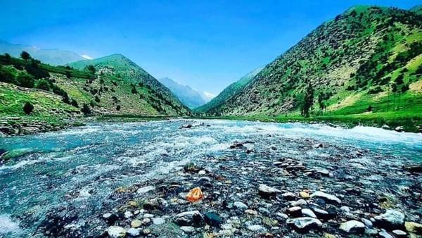 Bicara pariwisata, Lembah Andarabi dikenal akan pesona alamnya yang bernuansa hijau dan dikelilingi oleh barisan pegunungan yang menjadi pembatas alam dengan Turkmenistan (Twitter)