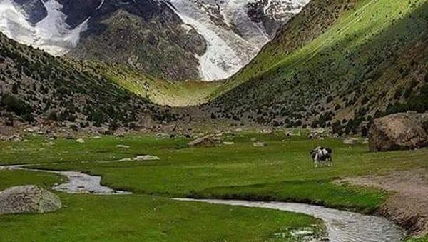 Melihat dari lanskapnya, Lembah Andarabi juga jauh dari kesan tandus yang melingkupi citra negara Timur Tengah yang sarat dengan gurun pasir. Terlebih, di lembah ini juga mengalir sungai besar yang bermuara dari Hindu Kush di Pegunungan Himalaya (Twitter)