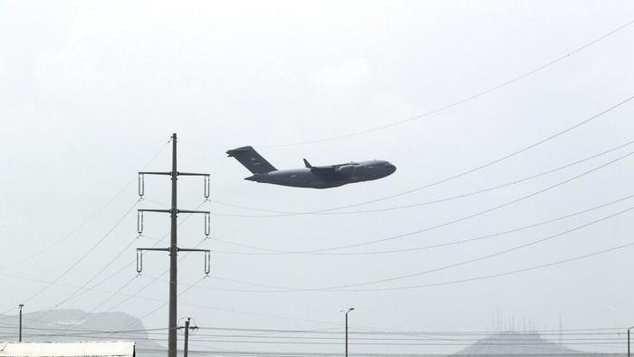 Pesawat militer terakhir AS telah meninggalkan bandara Kabul. Hal itu juga jadi penanda berakhirnya proses evakuasi AS terhadap warga sipil di Afghanistan.