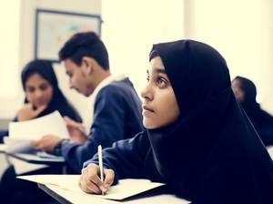 Taliban Bolehkan Wanita Belajar di Universitas Tapi Ini Aturannya