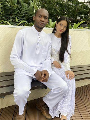 Kisah cinta Nur Afilah Amir dan Adana Mohamed Camara viral di media sosial