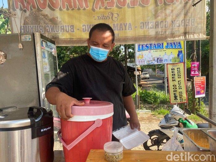 Mantan Chef Hotel Bintang 5 Ini Sukses Jualan Nasi Kebuli hingga Ayam Panggang