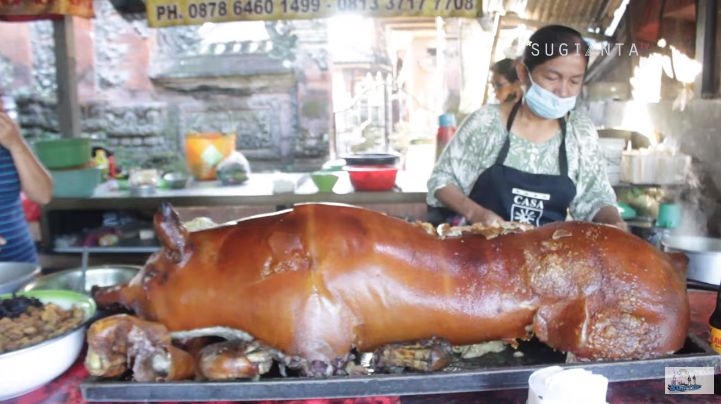 Mantan PNS Ini Sukses Jualan Babi Guling hingga Punya 2 Cabang