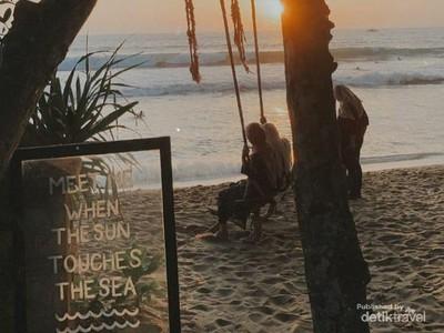 Bukan Bali, Pantai Cantik Ini Ada di Pandeglang