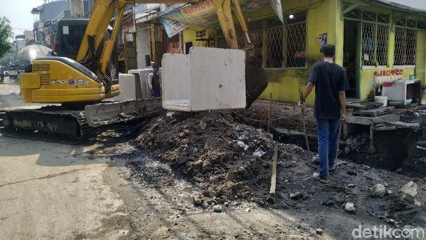 Pengerjaan proyek got di Jl Pademangan III, Jakarta Utara, 1 September 2021. (Athika Rahma/detikcom)