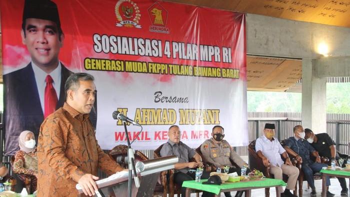 Pimpinan MPR Ahmaz Muzani melakukan sosialisasi empat pilar di Lampung