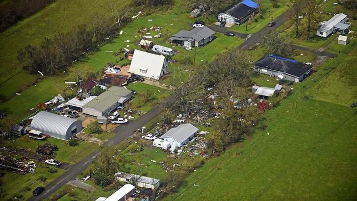 Badai Ida mendatangkan malapetaka di Amerika Serikat. Sejumlah bangunan hancur diterjang badai tersebut.