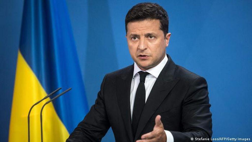 Presiden Ukraina Buka Suara Usai Mobil Penasehatnya Ditembaki OTK