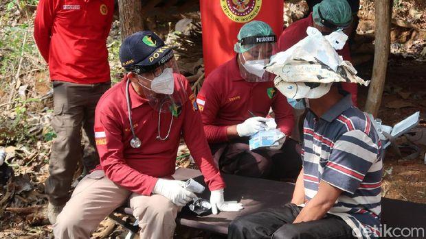 Vaksinasi door to door di ladang di Bantul