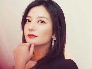 Vicky Zhao Dicekal dari Internet, Kisah Cintanya Penuh Drama di Dunia Nyata