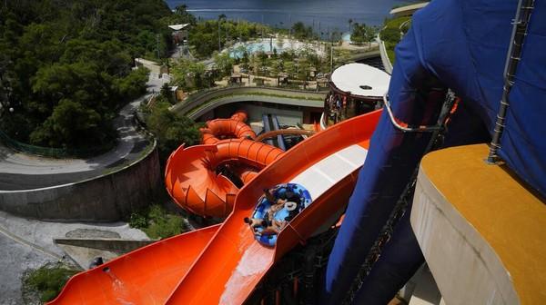 Water World Ocean Park siap menambah daftar tempat wisata yang menarik untuk dikunjungi saat berwisata ke Hong Kong.