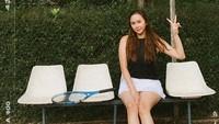 Perasaan Aura Kasih Dipuji Seksi dan Alasan Ogah Unggah Foto Pakai Bikini