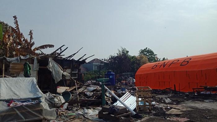 Kondisi terkini di lapak pemulung Pondok Aren, Tangsel, usai kebakaran, Kamis (2/9/2021)/(Nahda Rizki Utami/detikcom)