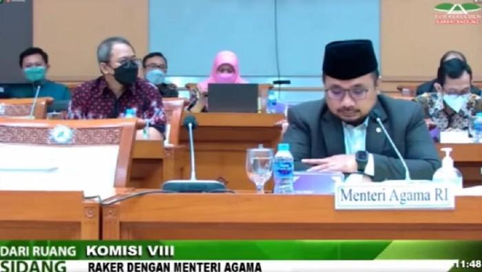 Menag saat rapat dengar pendapat bersama Komisi VIII DPR