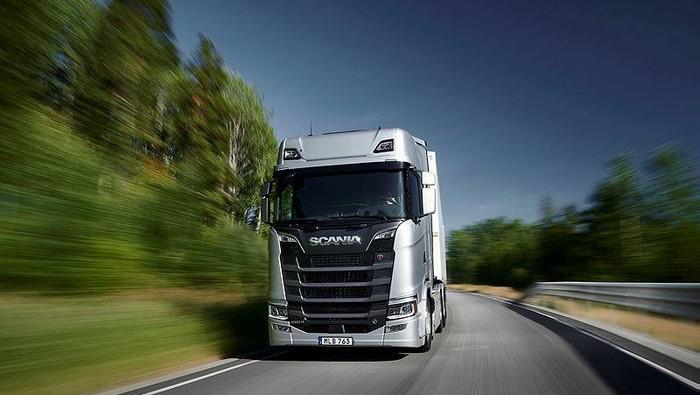 Truk Scania 660 S V8 6x4 Highline, general cargo transport