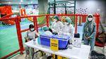 Vaksinasi COVID-19 di Pusat Perbelanjaan