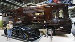 Potret Bus Mewah Rp 110 M! Serasa Rumah Berjalan yang Bisa Angkut Bugatti Chiron