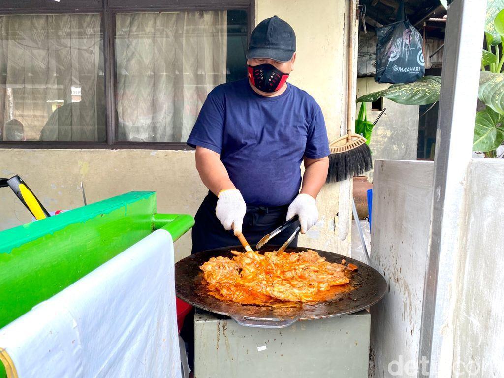 Chicken Steak Pak Madi: Empuk Juicy Chicken Steak buatan Mantan Chef Pejabat
