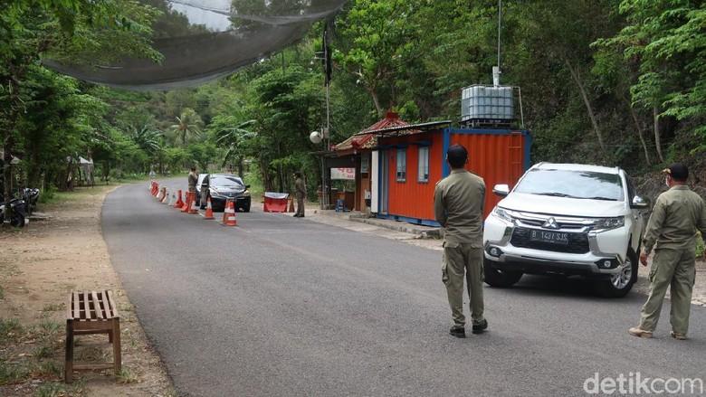 Dispar cegat wisatawan di TPR Baron
