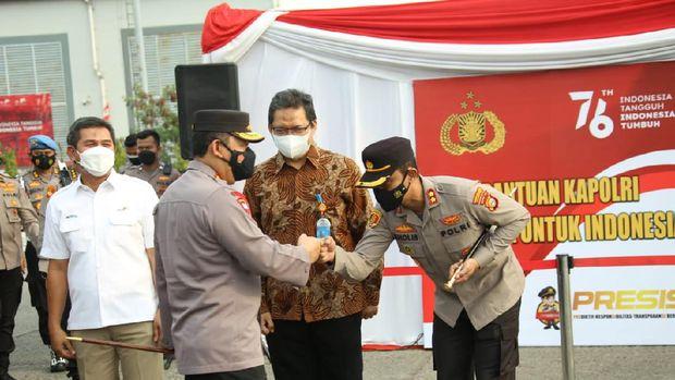Kapolri Jenderal Listyo Sigit Prabowo meluncurkan iso tank