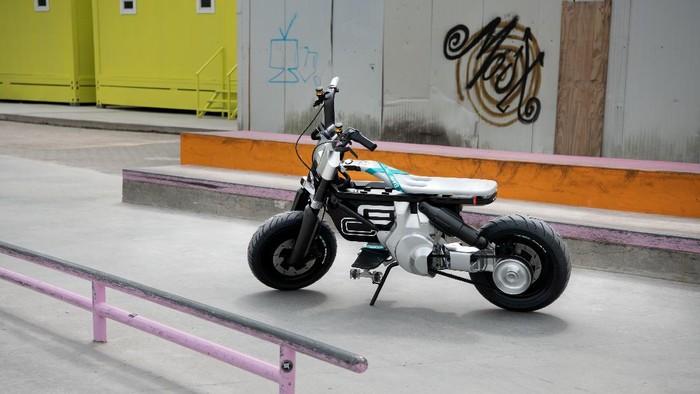 Konsep BMW Mini Bike Listrik CE 02