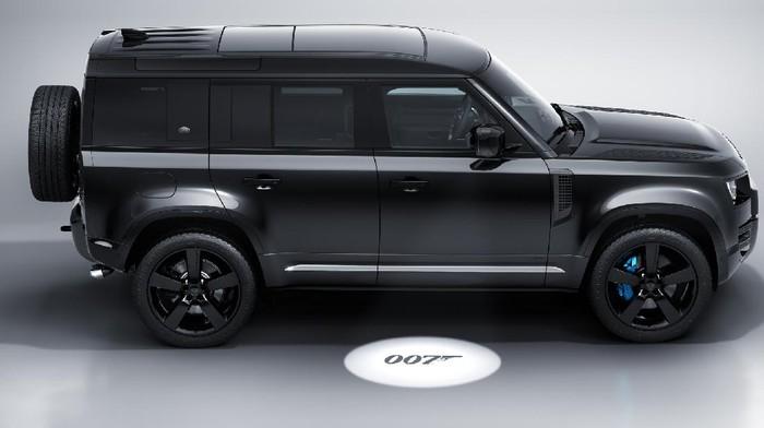 Land Rover Edisi Spesial James Bond