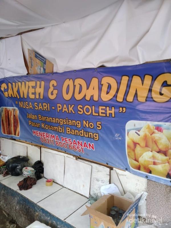 Makanan yang sempat viral ini jadi jajanan yang tak boleh kamu lewatkan di Bandung.