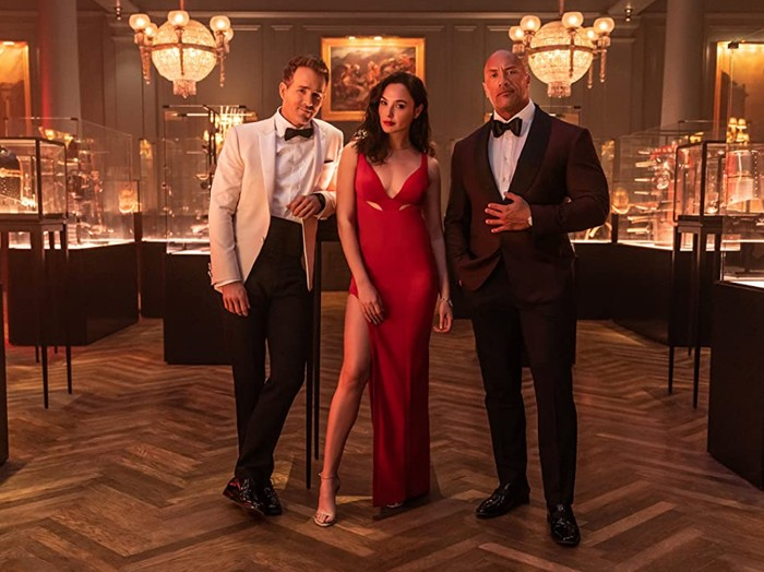 Red Notice, film termahal Netflix yang dibintangi Gal Gadot, Ryan Reynolds dan Dwayne Johnson.