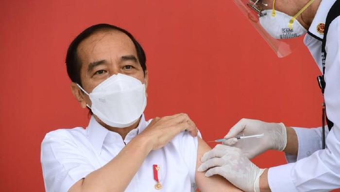Sertifikat Vaksin Jokowi Tersebar, Ini 3 Hal yang Diketahui Hingga Kini