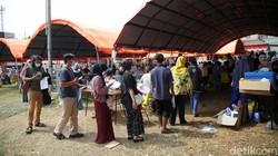 PMI menggelar vaksinasi COVID-19 kepada warga di Kota Bekasi. Sebanyak 1000 dosis vaksin Pfizer disuntikkan kepada warga hari ini.