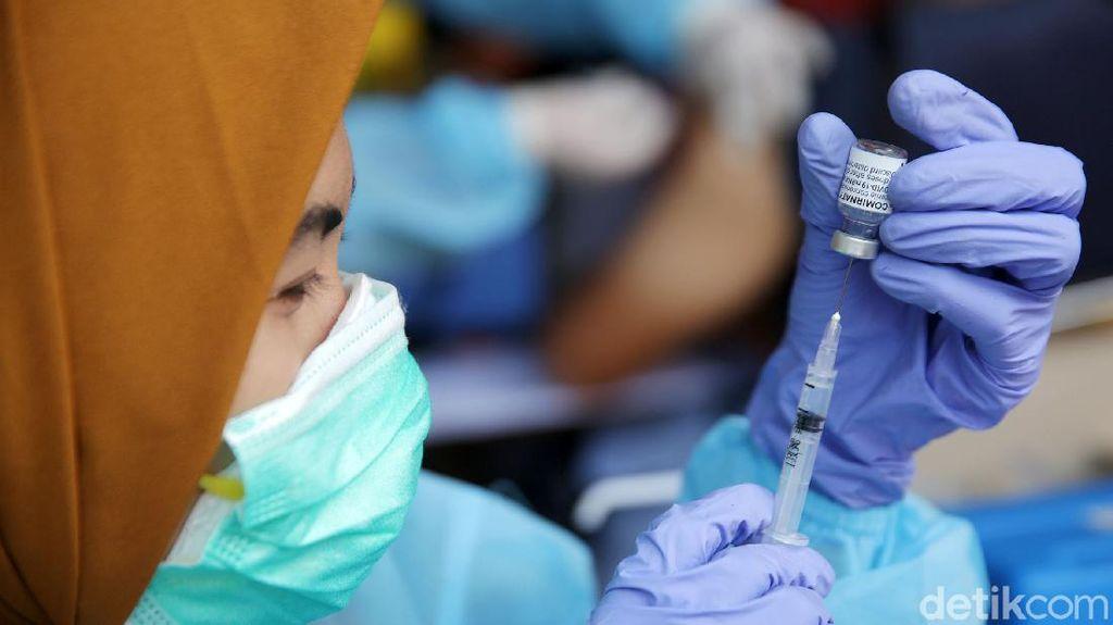 Apakah Setelah Vaksin Boleh Minum Es? Boleh Sih, Tapi Begini Catatan Dokter