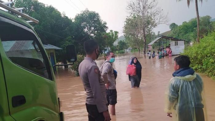 Banjir lima desa di Gorontalo, Sabtu (5/9/2021).