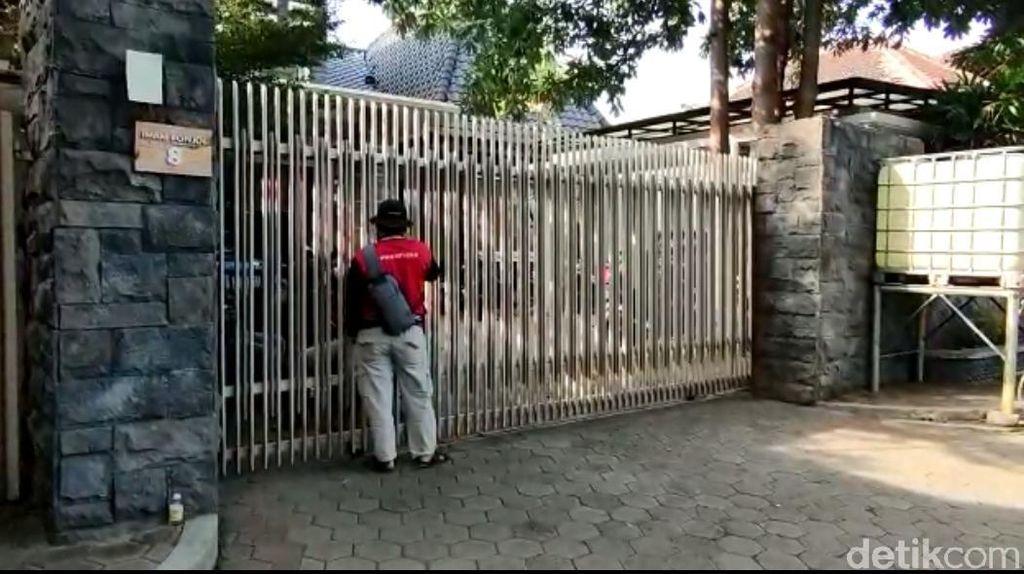 KPK Amankan 1 Koper usai Geledah Rumah Anak Hasan Aminuddin