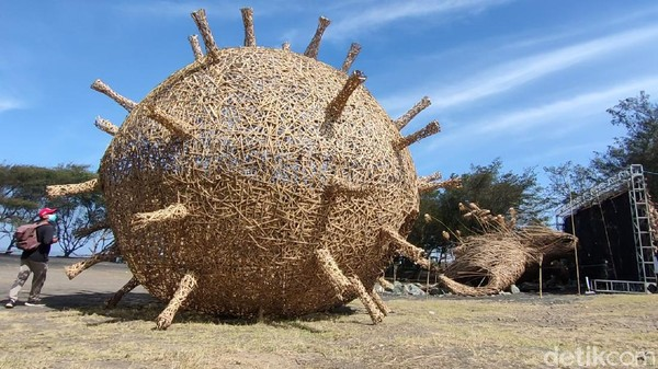 Dengan adanya karya seni instalasi ini, diharapkan bisa menambah suasana baru di tempat wisata, sekaligus menarik minat wisatawan untuk berkunjung saat wisata sudah boleh dibuka kelak. (Jalu Rahman Dewantara/detikTravel)