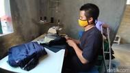 Curhatan Difabel Dayat, Panjahit Kaus Suvenir Terdampak Penutupan Borobudur