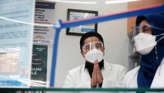 Menteri BUMN Erick Thohir cek obat di Kimia Farma Depok