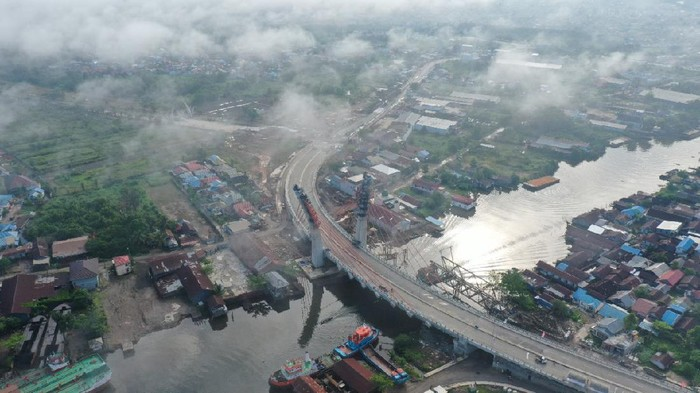 Progres Terkini Jembatan Melengkung Pertama di Indonesia