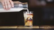 Minum Kopi Campur Susu Kedelai Bikin Awet Muda? Ini Kata Ahli!