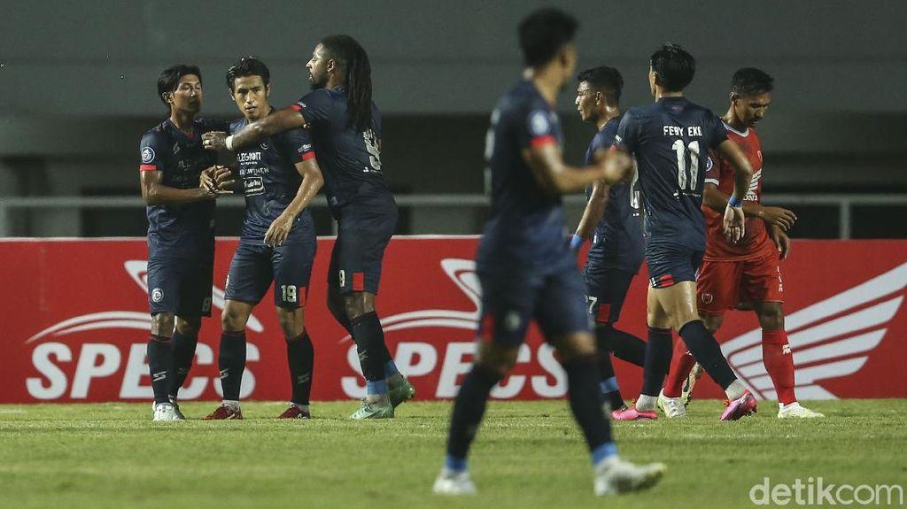 Pelatih Arema FC Sebut Insiden Perusakan Tak Pengaruhi Persiapan Tim