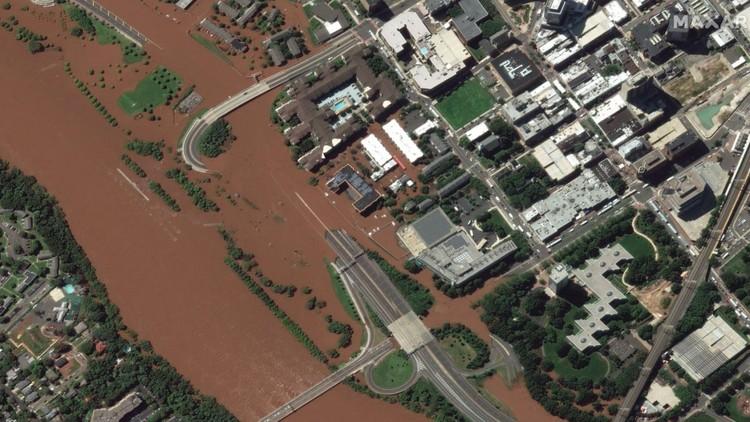Banjir bandang menenggelamkan sejumlah wilayah di New York, Amerika Serikat, setelah negeri Paman Sam diterjang Badai Ida.