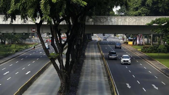 Sepeda masih dilarang melintas di tiga ruas jalan yang menerapkan sistem ganjil genap. Salah satunya di Jenderal Sudirman, Jakarta Pusat.