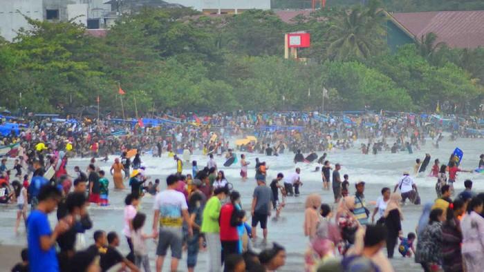 Suasana pantai barat Pangandaran, Minggu (5/9/2021) sekitar pukul 8 pagi.