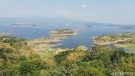 Foto: Tempat Terbaik Menikmati Pemandangan Waduk Jatigede Sumedang